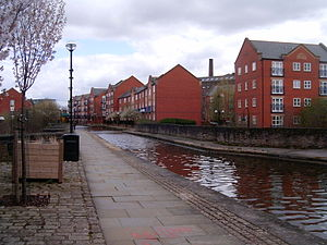 Store Street Aqueduct - Store Street Aqueduct at the canal level