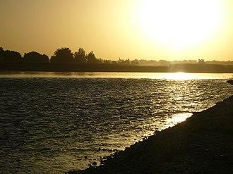 Lashkargah - Image: Sunset over Helmand River