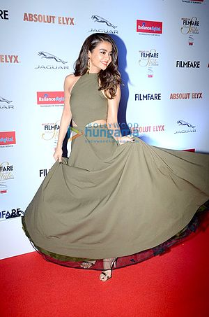 Surveen Chawla - Image: Surveen Chawla gracing 'Filmfare Glamour & Style Awards 2016'