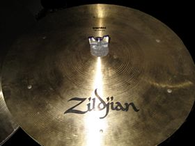 Swish cymbal with six rivets