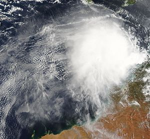 2004–05 Australian region cyclone season - Image: TC Raymond 02 jan 2005 0210Z