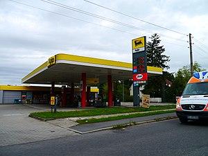 Agip - Image: Tankstelle Bahnhofsallee Doberlug Kirchhain 2011 (Alter Fritz)