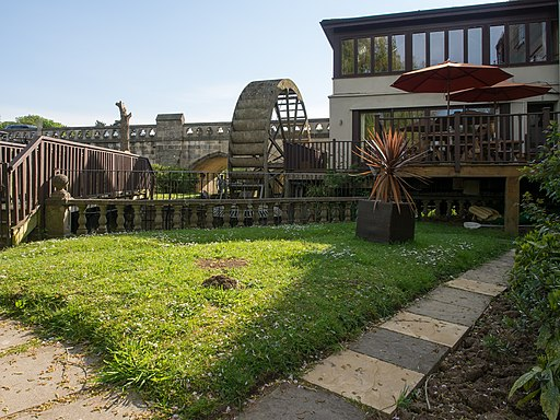 The Old Mill Hotel Garden - panoramio
