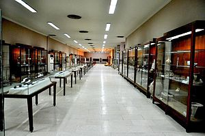 Sulaymaniyah Museum - This is one of the two large halls of the Sulaymaniyah Museum.