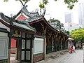 Thian Hock Keng Temple 4, Dec 05.JPG