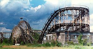 Thunderbolt (1925 roller coaster) - Inactive Thunderbolt in 1995