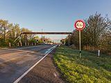 Tijdelijke pijpleidingbrug over de Tramwei in Broek bij Joure 03.jpg