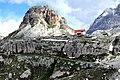 Toblach (Bolzano) - Rifugio Antonio Locatelli (Dreizinnenhütte) 2450 m. - Sullo sfondo la Torre di Toblin 2617 m.jpg