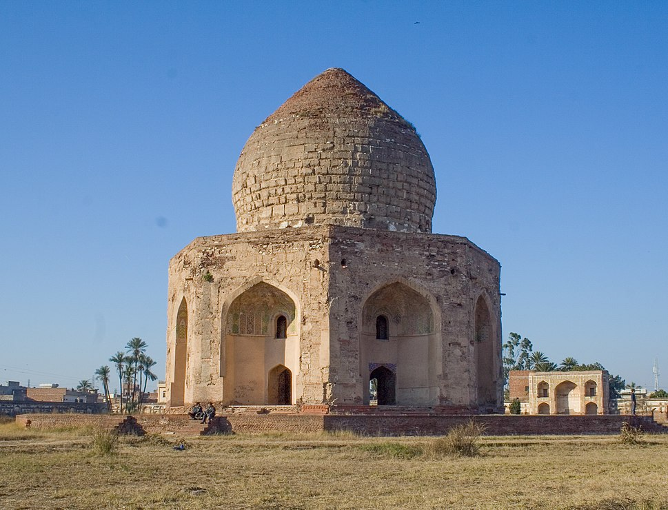 Tomb of Asif Khan 01