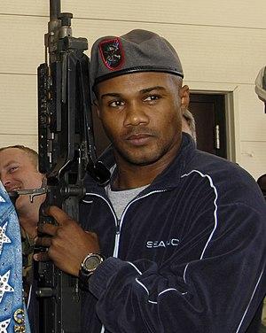 Félix Trinidad - Trinidad visiting a military facility in 2007