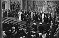 Troonswisseling 30 april , inhuldiging in Nieuwe Kerk overzicht tijdens eedsaf, Bestanddeelnr 930-8060.jpg