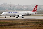 Turkish Airlines, TC-JMH, Airbus A321-231 (28459078965) (2).jpg