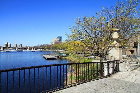USA-Charles River Esplanade1