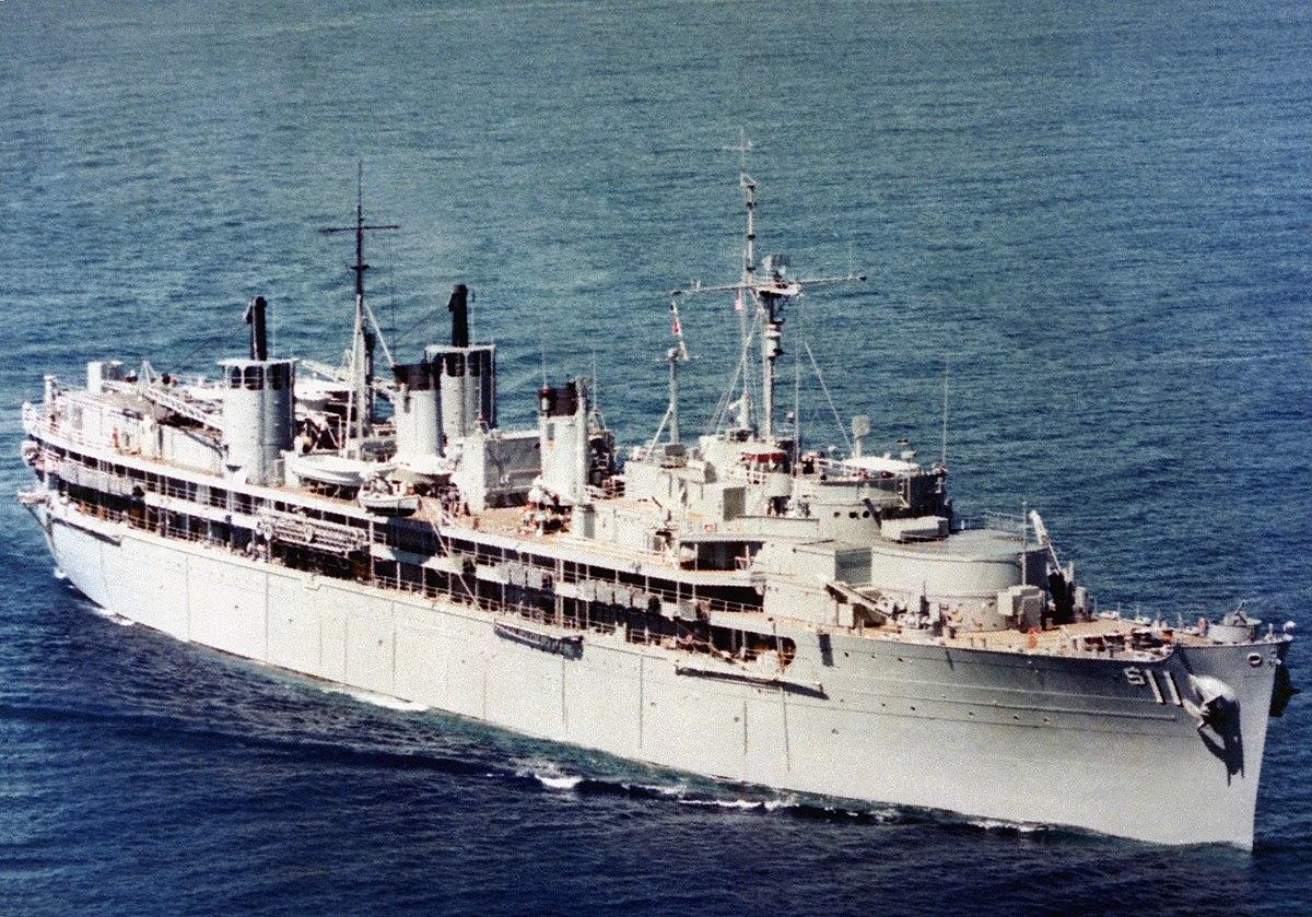 Fulton-class submarine tender - Wikipedia