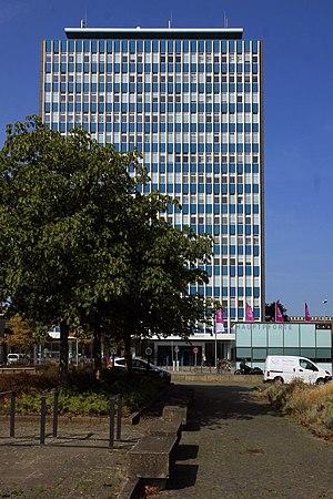 Uni-Hochhaus (05) (44464856671).jpg