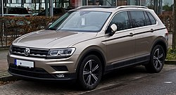 VW Tiguan 2.0 TSI BlueMotion Technology 4MOTION Sound (II) – Frontansicht, 24. Dezember 2017, Düsseldorf.jpg