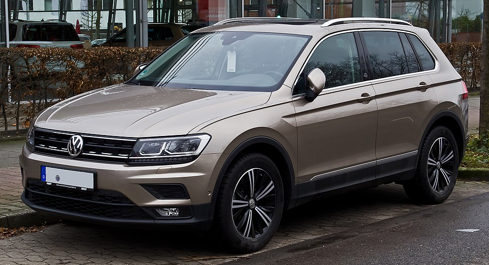 VW Tiguan 2.0 TSI BlueMotion Technology 4MOTION Sound (II) – Frontansicht, 24. Dezember 2017, Düsseldorf