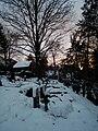 Verschneiter Bergfriedhof Heidelberg.JPG