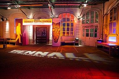 Viennale 2015 Festivalzentrum alte Hauptpost a.jpg