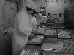 Bestand:Voedselvoorziening voor bejaarden Weeknummer, 77-20 - Open Beelden - 13182.ogv