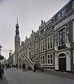 Voorgevel met natuurstenen speklagen en bordestrap met balustrade en gebeeldhouwde leeuwen - Alkmaar - 20396667 - RCE.jpg