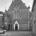 Voorgevel met portaal en traptoren van de synagoge te Zwolle - Zwolle - 20350431 - RCE.jpg