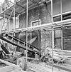 voorgevel ontpleisterd, sporen van oorspronkelijke vensters - elburg - 20068886 - rce