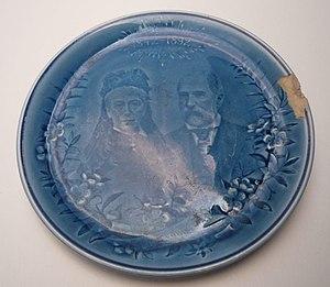 Villeroy & Boch - Image: Vund B Gedenkteller 1892Eugen Oktavie Von Boch