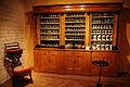 WLANL - karinvogt - Apotheek Lucius Columba Murray-Bakker (1822-1911) opende de deuren in 1850 in Huizen.jpg
