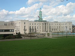 Walthamstow Town Hall 20 Apr 2006.jpg