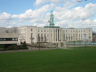 Walthamstow - Image: Walthamstow Town Hall 20 Apr 2006