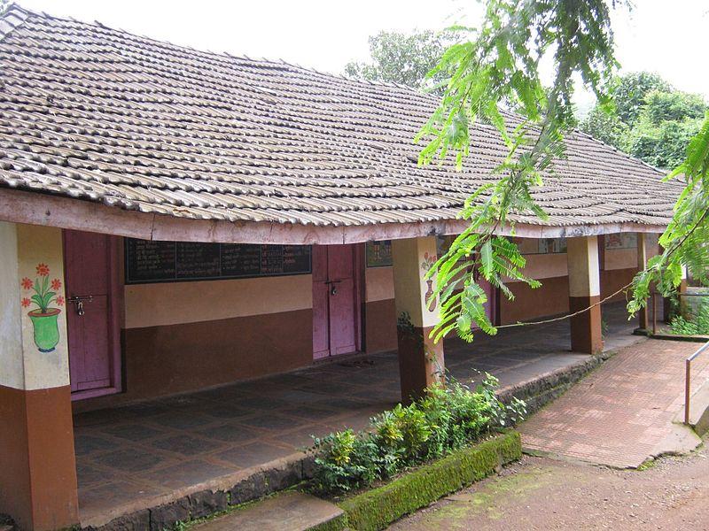 filewashi school02sangameshwarratnagirijpg wikimedia