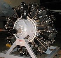 Wright R-2600, un motor radial de 14 cilindros dispuestos en dos filas.