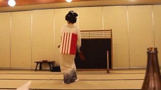 File:Yudanaka onsen geisha dance.ogv