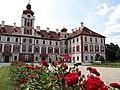 Zámek Mnichovo Hradiště (1).jpg