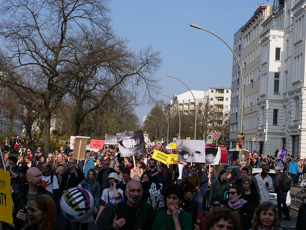 """Mietenwahnsinn Stoppen!"" Demonstration in Berlin in April 2018.jpg"