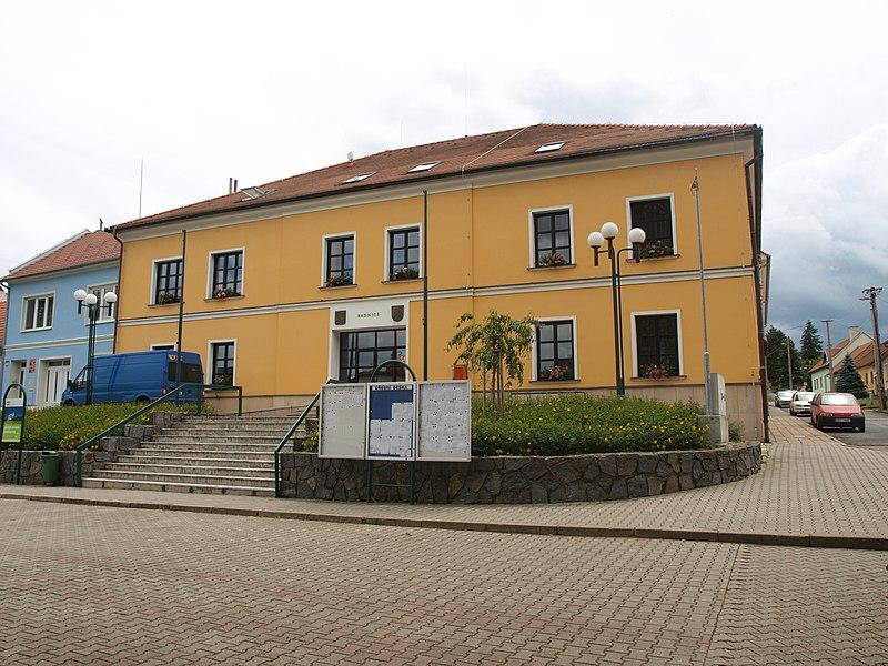 File:Černá Hora, úřad městyse.JPG