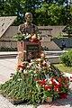 Памятник Александру Лебедю в Бендерах.jpg