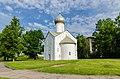 Церковь Двенадцати Апостолов на Пропастех (1454-1455) в Великом Новгороде.jpg