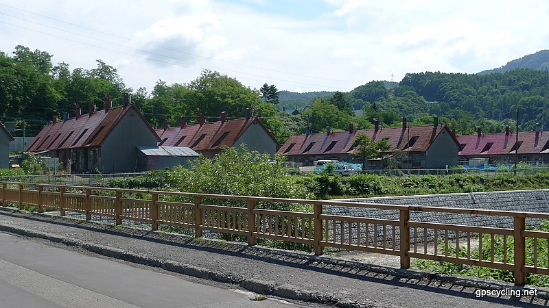 File:弥生炭鉱住宅 - panoramio.jpg