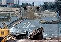 026L08191076 Reichsbrücke, stadtauswärts, Bildmitte der gebrochene Pfeiler.jpg