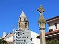 05 Creu de terme del Palau d'Anglesola i campanar de Sant Joan.JPG