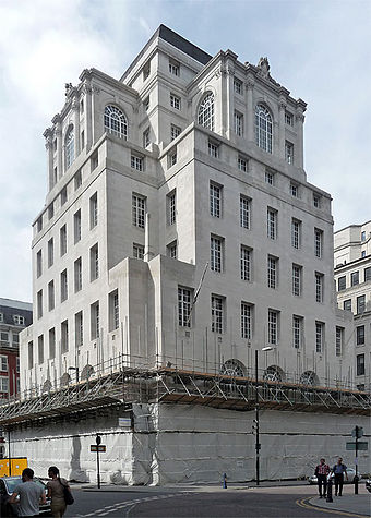 Lutyens' Midland Bank Building in Manchester, constructed in 1935 100 King Street Manchester.jpg