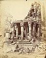 1870 photo of Hindu temple ruins at Garhwa, Allahabad District, Uttar Pradesh.jpg