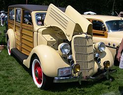 1935 Ford Model B Woodie.JPG