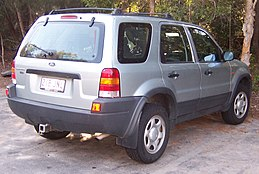 2004 Ford Escape (ZB) XLS wagon (2007-10-03).jpg