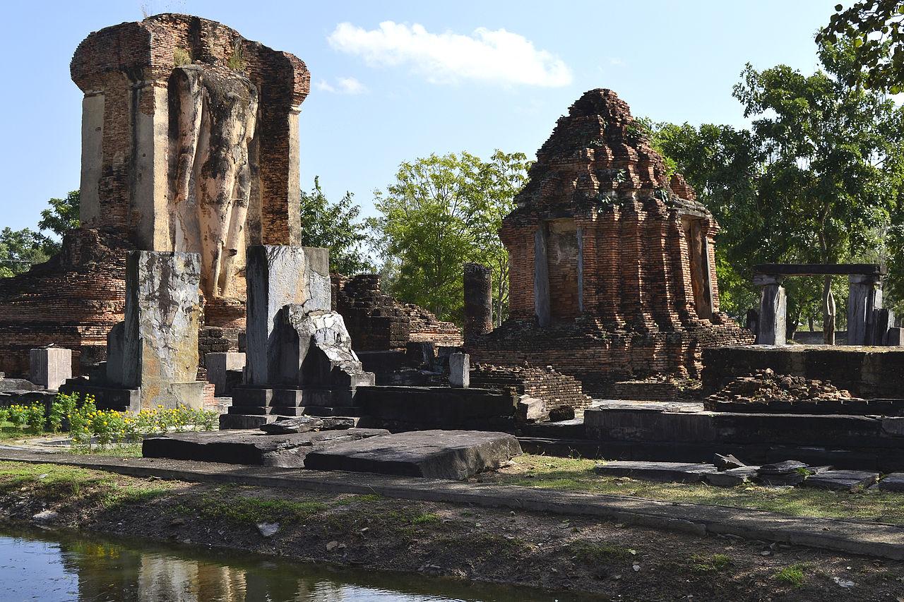 File:201312161348a Sukothai, Wat Chetuphon.jpg - Wikimedia ...
