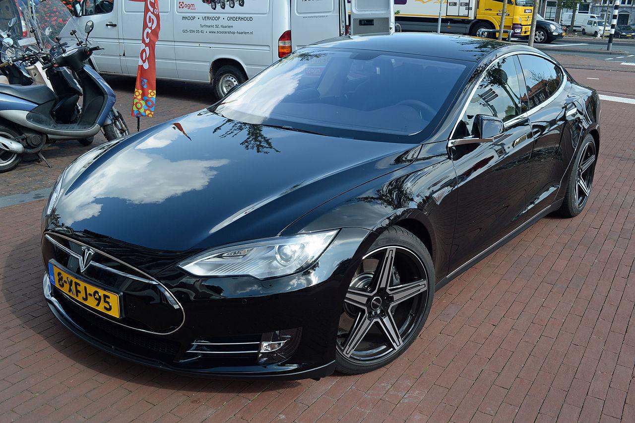 File:2014 Tesla Motors Model S (front view) Netherlands ...