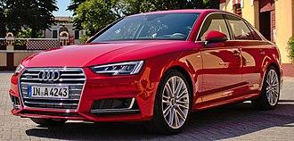 D-segment - Image: 2015 Audi A4 B9 3.0 TDI quattro V6 200 k W S line Tangorot Vorderansicht (cropped)