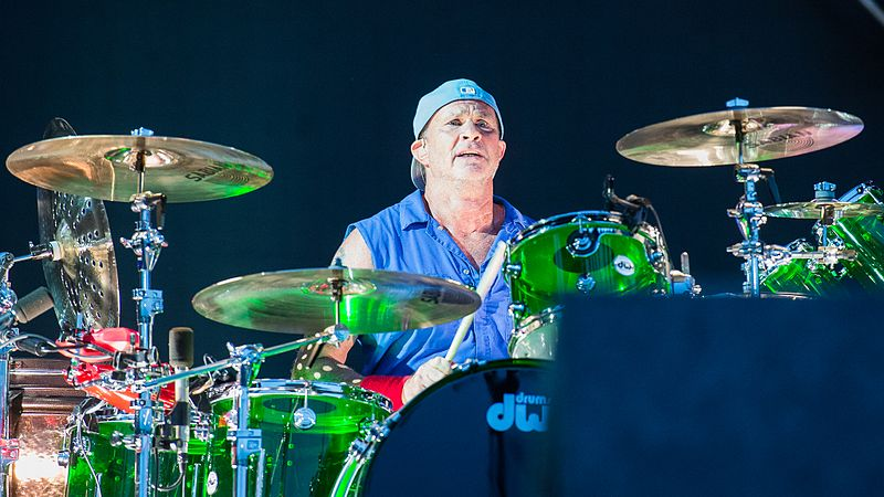 File:2016 RiP Red Hot Chili Peppers - Chad Smith - by ...